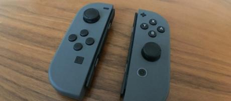 The Nintendo Switch Joy-Cons are allegedly too similar to Gamevice's tablet-use controllers. / from 'Wikimedia Commons' - commons.wikimedia.com