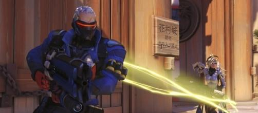 Soldier 76 is one of the best characters to use in the 'Overwatch' Deathmatch mode. (image source: YouTube/IGN)