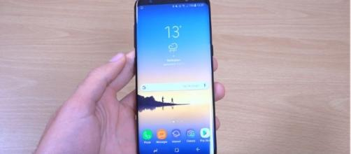 The Samsung Galaxy Note 8 features an infinity display - YouTube/Tech Trinkets