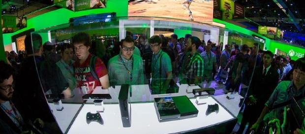 Xbox 360 E and Xbox One image from: Wikimedia https://commons.wikimedia.org/wiki/File:Xbox_360_E_and_Xbox_One_-_E3_2013.jpg