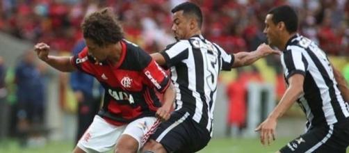 Botafogo e Flamengo se encontram no estádio Nilton Santos (Gilvan de Souza / CR Flamengo / Divulgação)