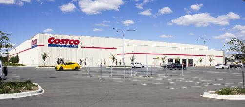 Costco store / Photo via Bidgee, Wikimedia Commons