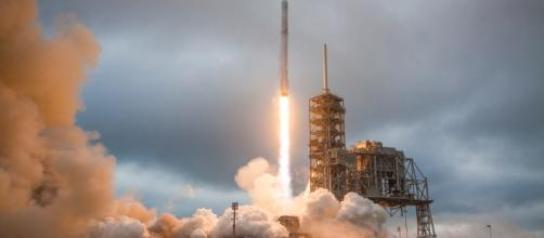 Falcon 9 laiunch (SpaceX flickr)