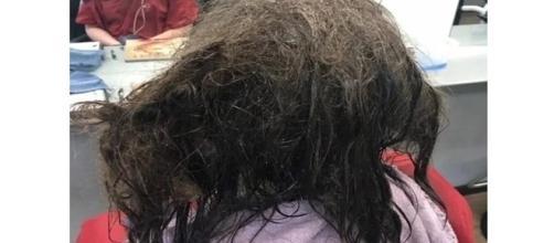 Jovem decide raspar todo o cabelo, mas recebe uma proposta incrível que mudaria sua vida
