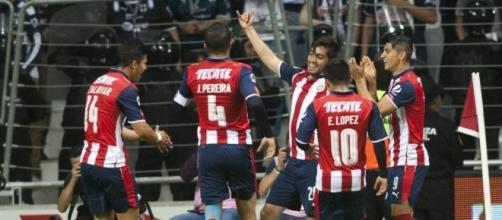 Monterrey y Chivas empatan (2-2) en un polémico partido | Deportes ... - elpais.com