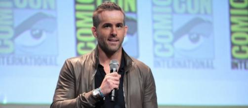 """Ryan Reynolds photographed during the 2015 San Diego Comic-Con for the """"Deadpool"""" panel - Flickr/Gage Skidmore"""