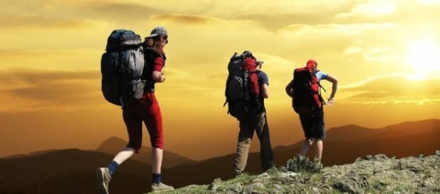 Escalar montañas, deporte ideal para las vacaciones.