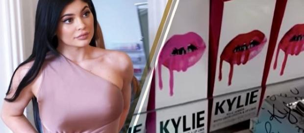 Kylie Jenner - Image via YouTube/Hollyscoop