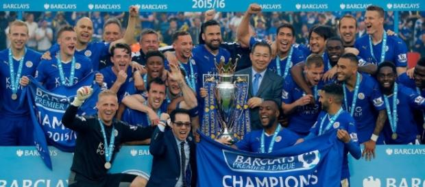 Leicester City lift Premier League trophy after 3-1 win against ... - footytube.com