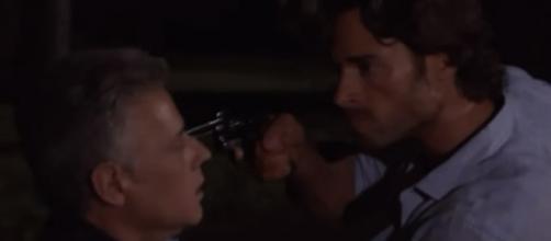 Alessandro salva José Luís e mata Ezequiel