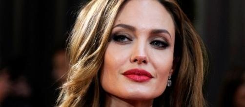 Angelina Jolie teve de superar o vício e transtornos psicológicos para se tornar uma atriz de sucesso