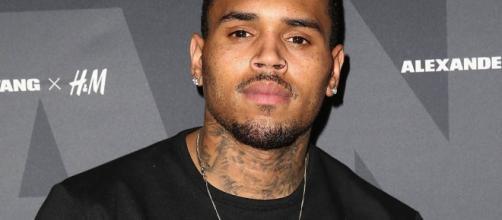 Chris Brown conta com detalhes sobre agressão à Rihanna
