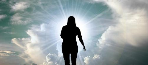 Faith. Moving forward. Image via Pixabay