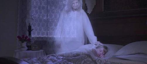 Sonhar com pessoas que morreram seria benéfico