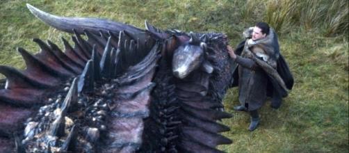 Jon Snow e Drogon no episódio 7x05 de Game of Thrones (HBO)