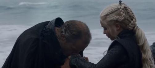 """Jorah leaves for The Wall and bids Daenerys goodbye in """"Game of Thrones"""" Season 7 Episode 5. (Photo:YouTube/Accidents)"""