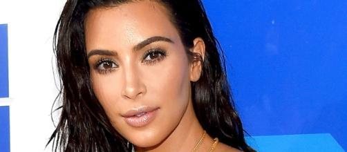 Kim Kardashian revela que já cometeu roubo no passado e choca seus fãs