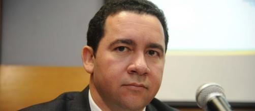 Ministros da Economia e do Planejamento divulgaram medidas que passarão pela aprovação do Congresso - Google