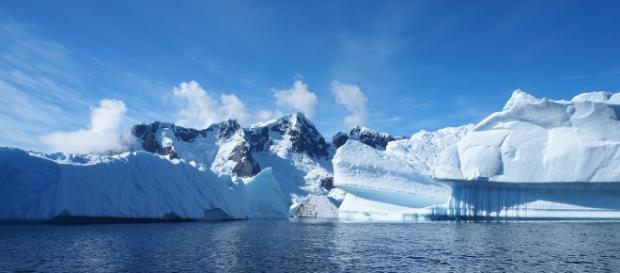 Antarctica may be hiding many more volcanoes than previously believed / Photo via Andreas Kambanis, Flickr