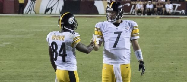 Ben Roethlisberger and Antonio Brown will continue to give defenses fits in 2017. Photo courtesy: Merson via Wikimedia Commons