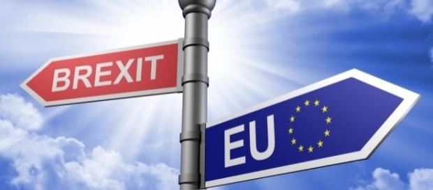 Brexit: sorge la questione del confine con l'Irlanda.