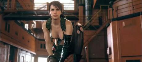 Quiet Drops Into Metal Gear Solid V (via flickr - BagoGames)