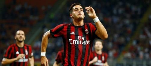 Milan está com os dois pés na fase de grupos