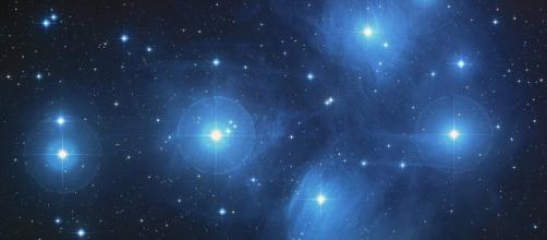 Stars. Love. Image via pixabay