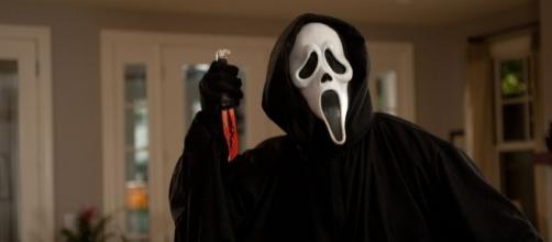The 'Scream' films are categorized under slasher films. (image source: YouTube/RDLgo)
