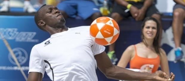 Bolt, de l'athlétisme au football ? (image via europe1.fr)