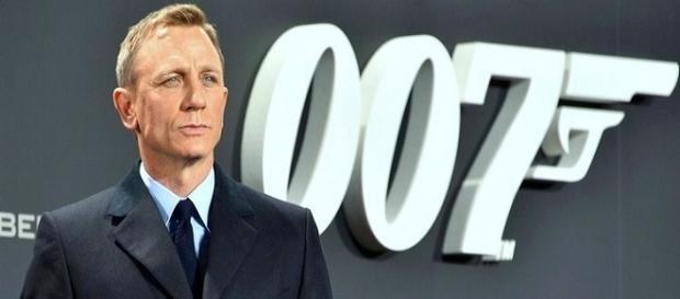 James Bond actor Daniel Craig / Photo via www.GlynLowe.com , Wikimedia Commons