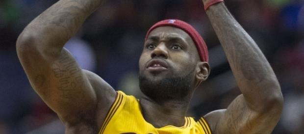 LeBron James putting up the shots | LeBron James | Wikimedia Commons