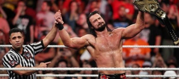 McIntyre cumplió su redención al ser despedido hace años de WWE. WWE.com.