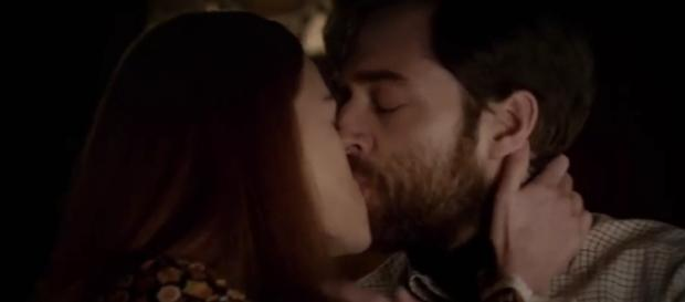 """Richard Rankin teased """"Outlander"""" season 3 would feature exciting scenes when Roger and Briana's relationsip develops - via YouTube/Starz"""