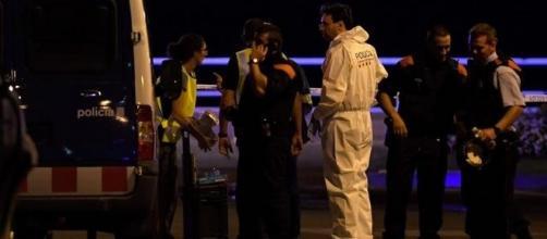 Une fusillade a éclaté à Cambrils (Espagne) après un attentat à la voiture-bélier revendiqué par Daesh.