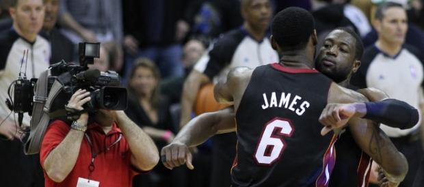 Dwyane Wade and LeBron James   Wizards v/s Heat 03/30/11   Flickr - flickr.com