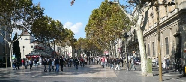 La Rambla street, where the attack took place, Barcelona | https://tinyurl.com/ybwx7fht