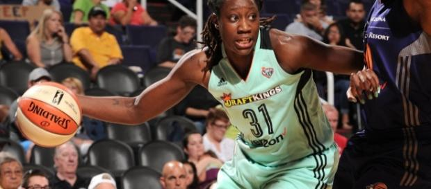 Tina Charles and the New York Liberty visit the Connecticut Sun on Friday night. [Image via WNBA/YouTube]