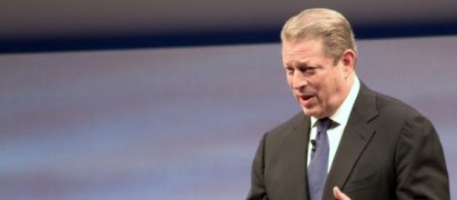 Al Gore said President Donald Trump should resign. [Image via Tom Raftery/Wikimedia]