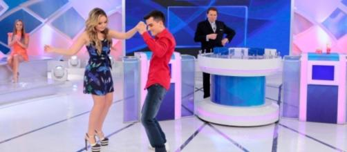 Dudu Camargo e Larissa Manoela se divertem no 'Programa Silvio Santos'