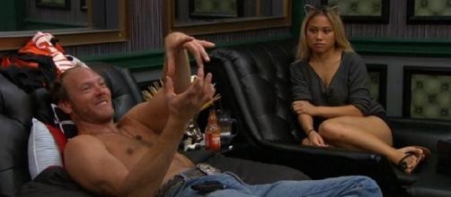 Screenshot of Jason Dent and Alex Ow 'Big Brother 19' ** OnlineBigBrother.com