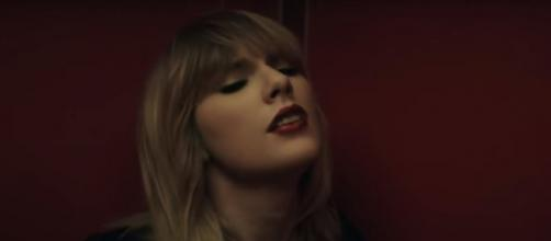 Taylor Swift cleared all her pictures from her social accounts. Image[Taylor Swift-YouTube]