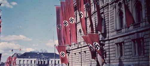 The swastika ruled in Hitler's Germany. [Image via Pixabay]