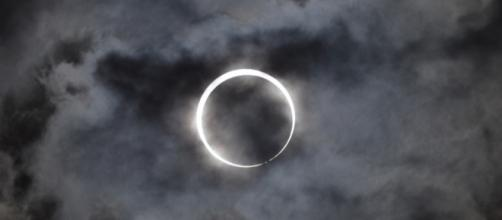 Twitter has partnered with The Weather Channel to live stream the Great American Eclipse/Photo via Takeshi Kuboki, Flickr