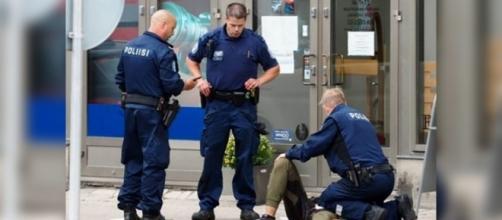 Une attaque dans un marché en Finlande fait deux morts