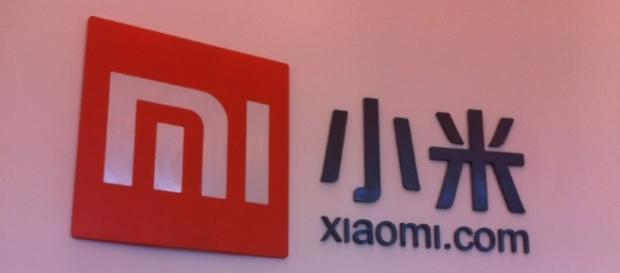 Xiaomi logo sign - Jon Russell (Flickr)