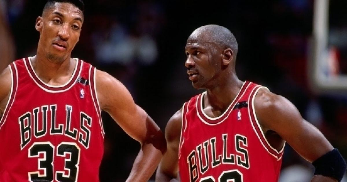 b3bcac98967d Michael Jordan puts Kobe Bryant ahead of LeBron James on his all-time list
