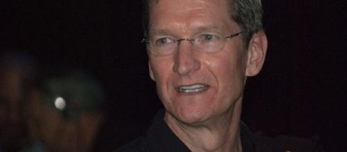 Apple CEO Tim Cook talks about augmented reality as the company earnings jump. [Image via Wikimedia Commons]