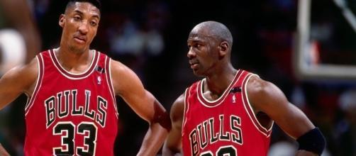 Michael Jordan compares Bryant and James. - YouTube/NBA
