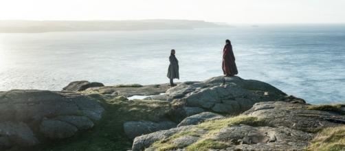 Lorde Varys e Melisandre no terceiro episódio da sétima temporada de 'Game Of Thrones'